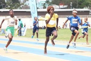 Ialpha Nedd of A DaCosta Edwards (centre) won the under-13 boys' 100m showdown.