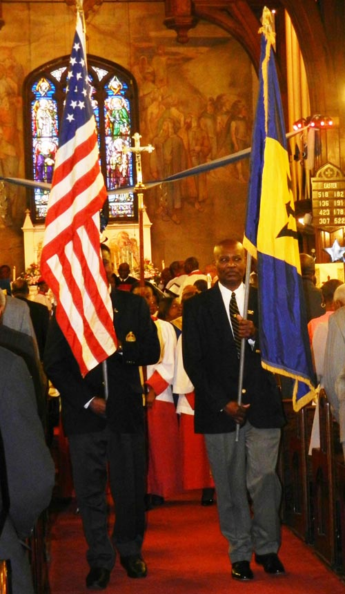 Presentation of the Barbados flag and that of the United States.