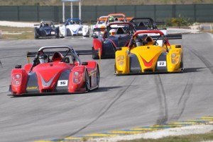 Stuart Maloney (front)  leads the pack in SR3 Cup.