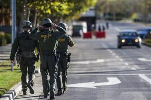 Merced County Sheriff SWAT members entering the University of California, Merced Campus after a reported stabbing in Merced, California.