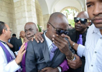 J Capri's dad Kenneth Phillips was overcome with grief at the funeral.