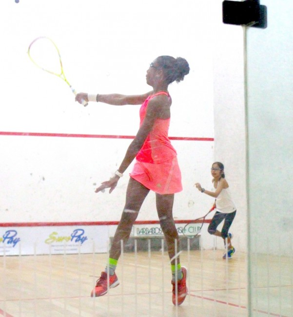 Chelsie Samuel (left) was victorious against Sumairaa Suleman for third place in the under-15 age group.