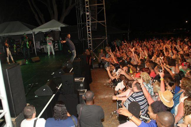 Shaggy performing at Chum FM last Thursday.