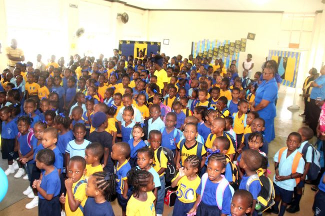 Students and teachers of Bay Primary.