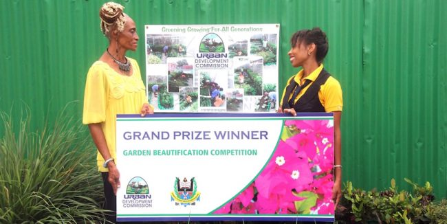 Project Officer at the Urban Development Commission Paula Gall and grand prize winner Marcia Springer.