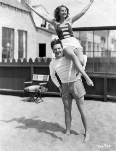 Stanwyck-and-Fay-Malibu-Happy