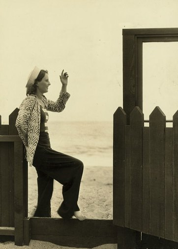 Stanwyck-in-Malibu-Home