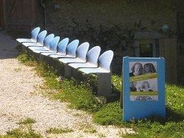 Die blauen Stühle