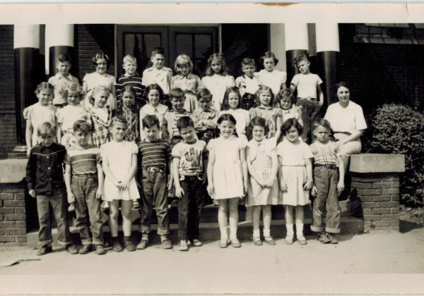 Prestonia Elementary School Class Photo an unlabeled mystery
