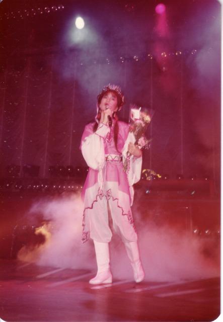 翁美玲1985新加坡演唱會現場相片