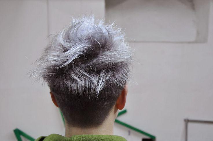 Se faire une teinture grise cheveux