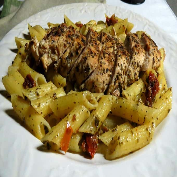 Chicken, Pesto and Sun-Dried Tomato Pasta