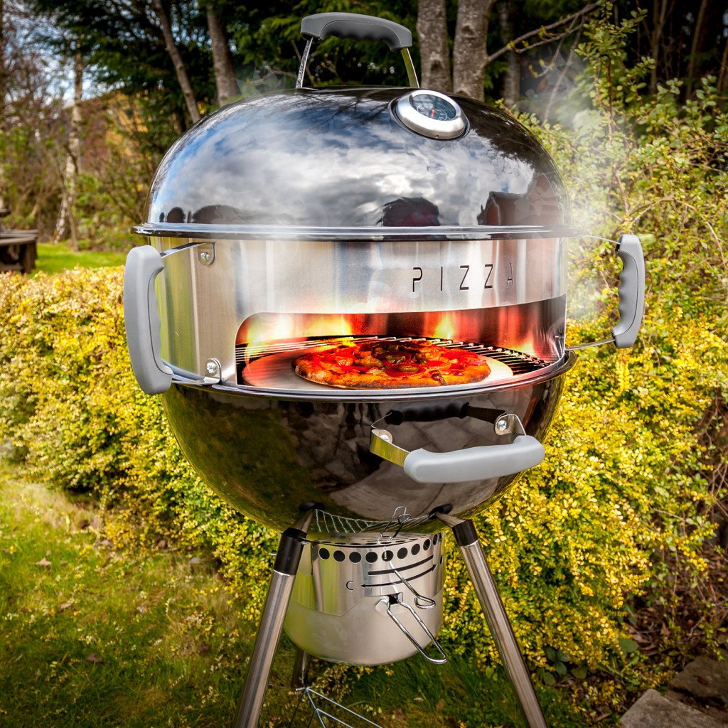 20190405-BBQ-Kettle-Pizza-Cooked-2602