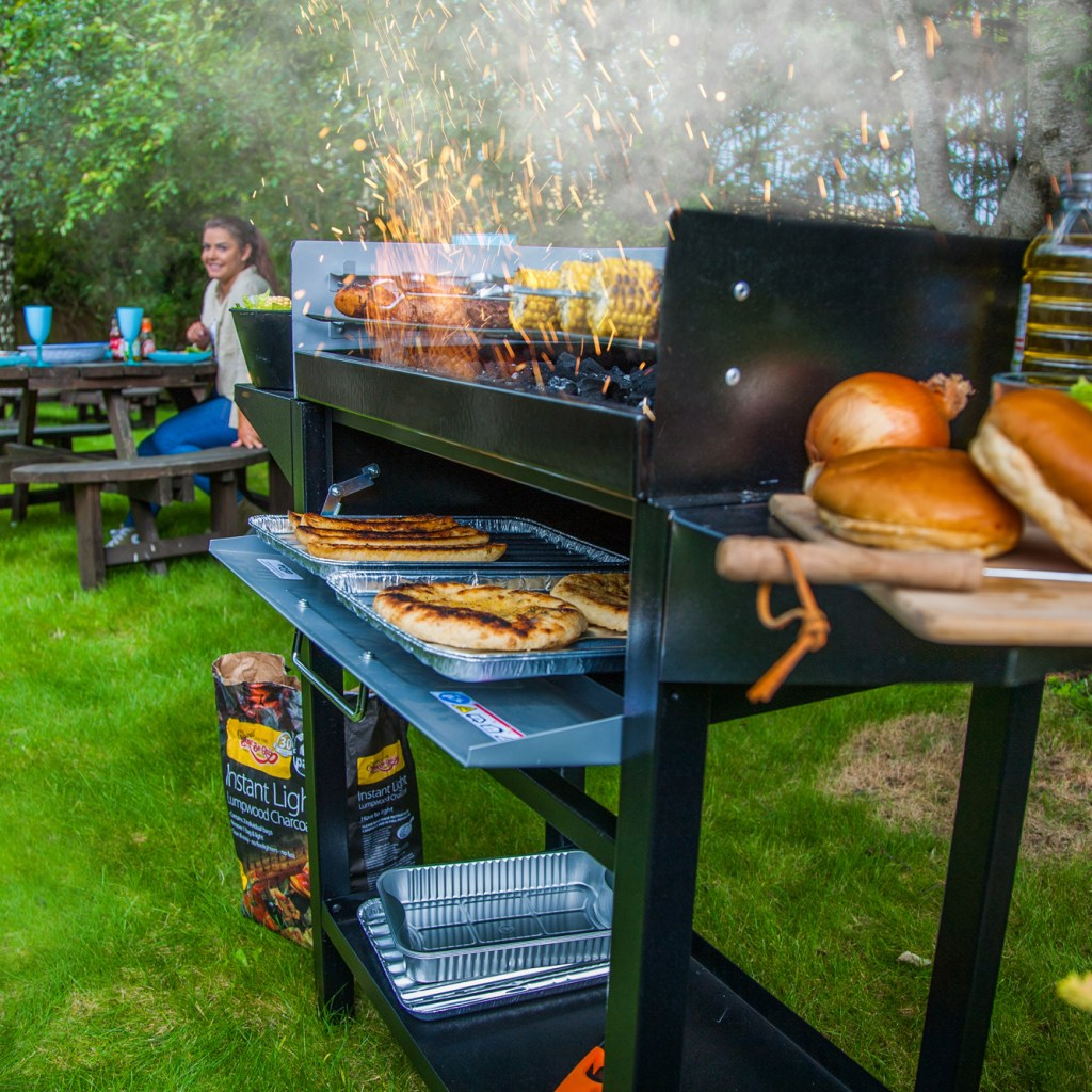 BBQ-Trolley-Grill&Bake-Lifestyle-smoke-1