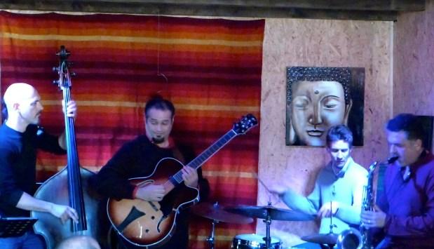 Pedro Barboza Cuarteto en Loo Jazz Club, con Gilles Grivolla, Lilian Bencina y Cedrick Bec. Senas-Francia.