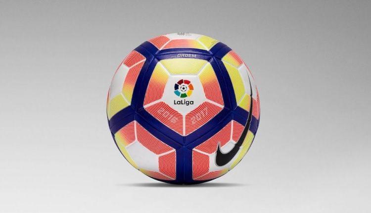 Nikebal1617