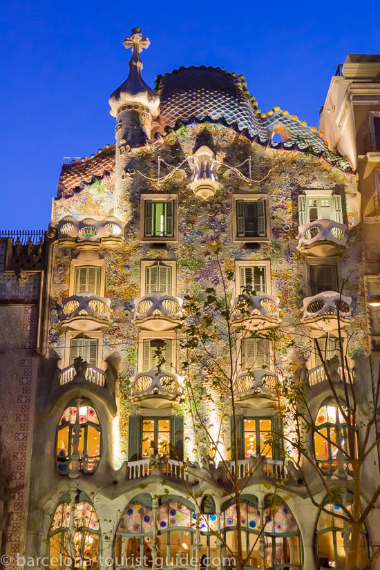 Casa Batll di Gaud  Galleria Fotografica di Barcellona