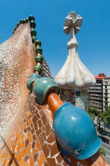 Casa Batllo roof tiles and spire Trencadis