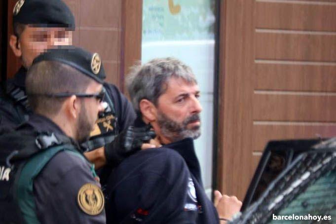 Uno de los CDR detenidos tras visualizar las pruebas de sus intenciones terroristas. Terrorismo independentista.