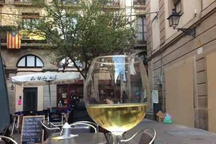 Glas wijn Barcelona terras