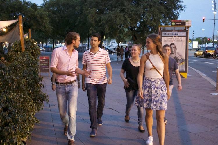 Maak een avondwandeling door Barcelona