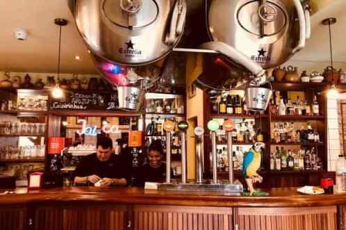 Gezellige bar restaurant Jai-ca