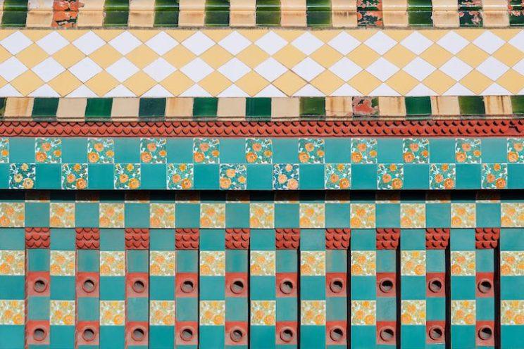 casa vicens azulejos