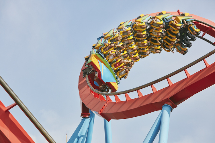 Dragon Khan attractie in Portaventura pretpark Salou Barcelona