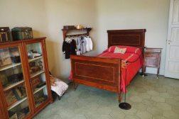 een kamer is la pedrera casa mila