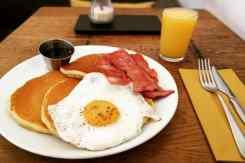Pannenkoeken met ei en spek Mama's café