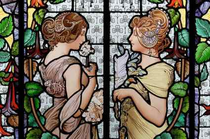 Glaswerk met deftige dames