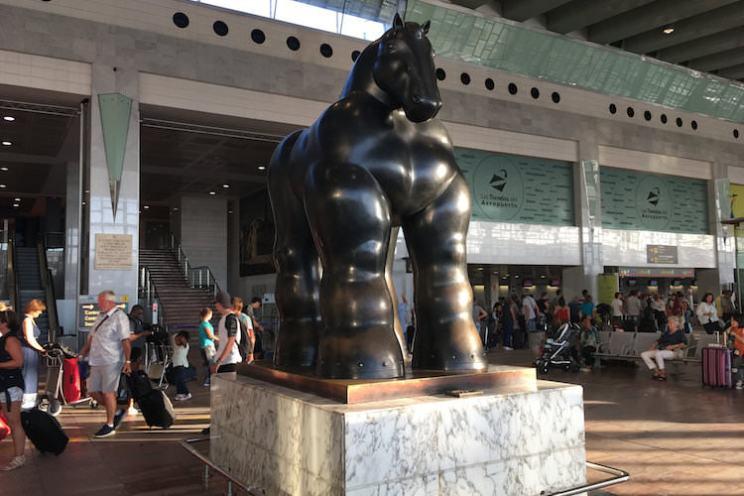 Paard Botero vliegveld Barcelona
