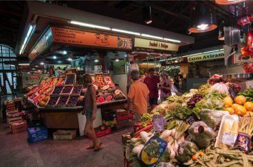 fruit en groenten op Santa Catarina markt