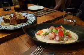 Ceviche en kippendijen gerechtje Gourmet tapas