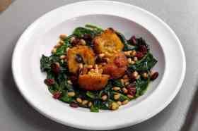 Spinaziegerecht met rozijnen Teresa Carles