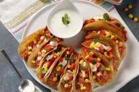 Taco's met mais en tomaat Vegetalia