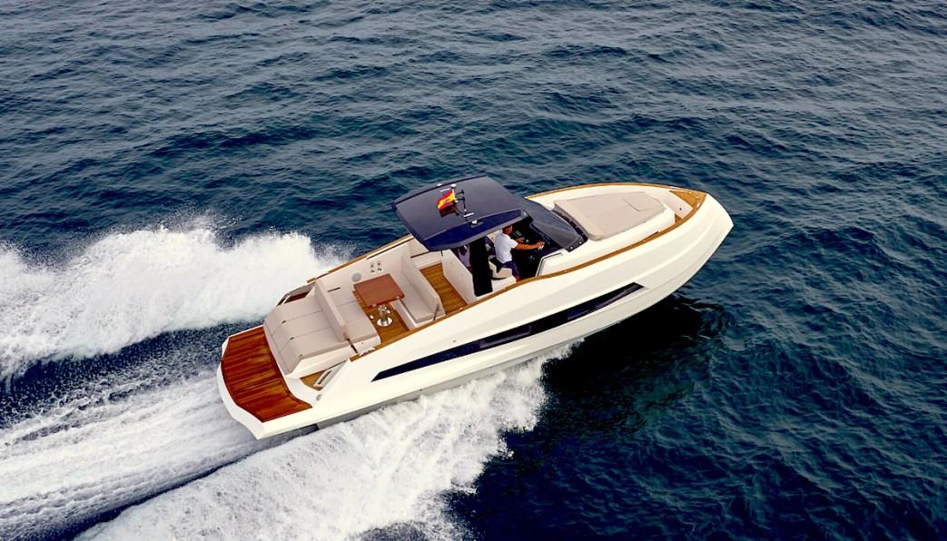 barche a motore 377-Coupe_bis