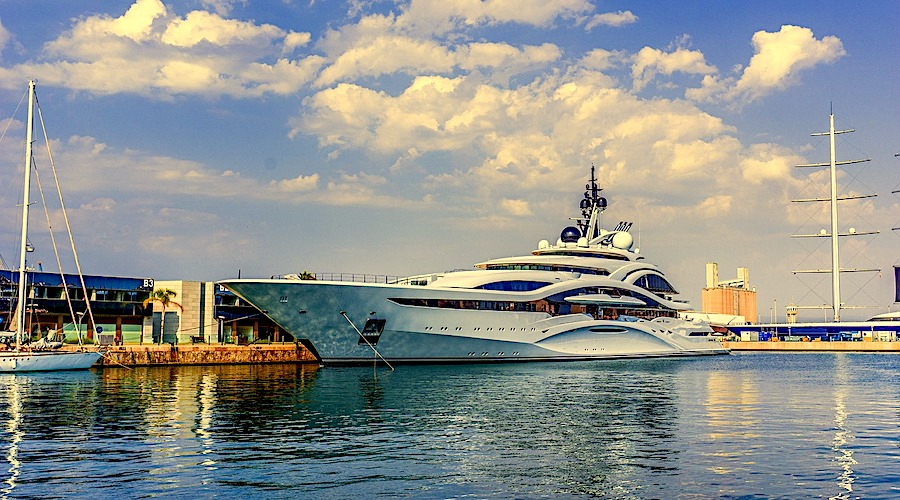 superyacht mediterraneo