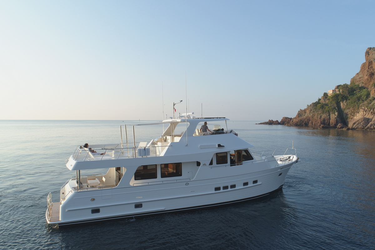 Outer reef 640 classic trawler