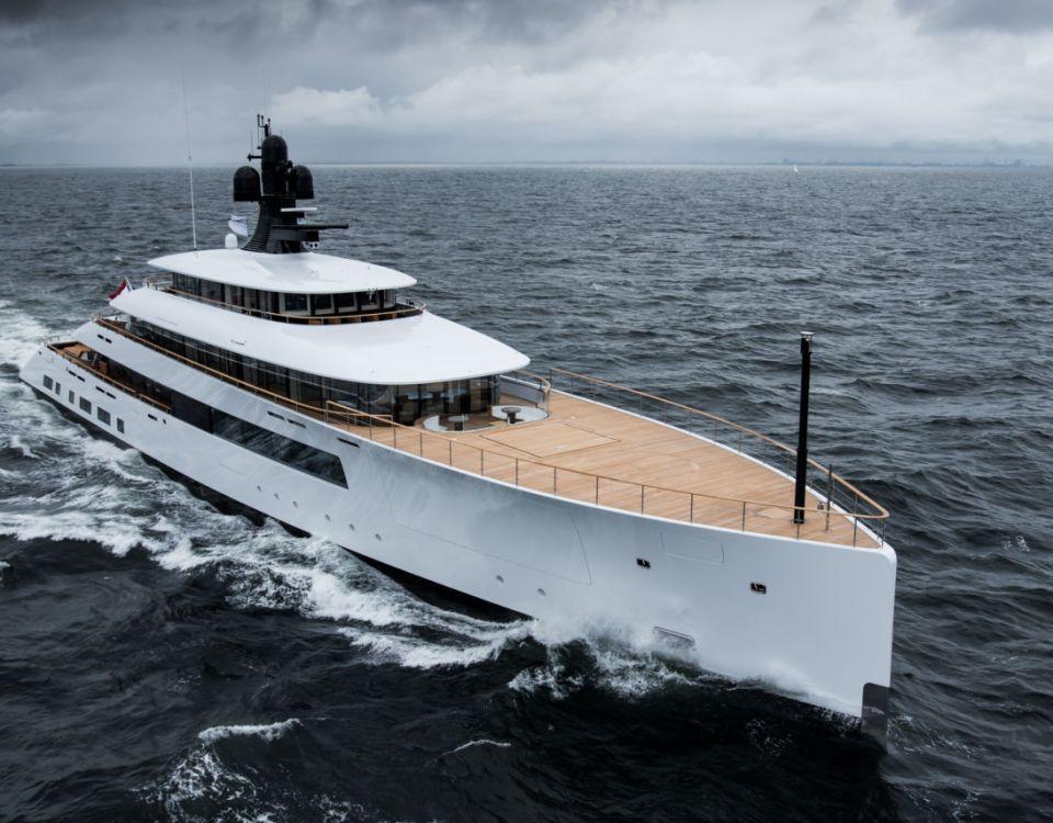 motor yacht Pi