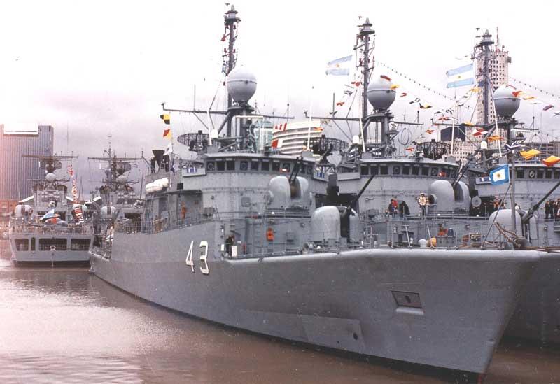 Barco de guerra Argentino