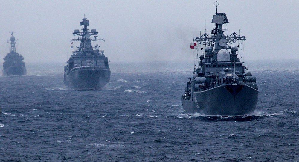 Barcos de guerra rusos
