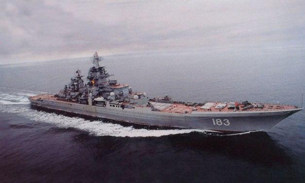 El crucero Piotr Velikiy (o Pedro el Grande)