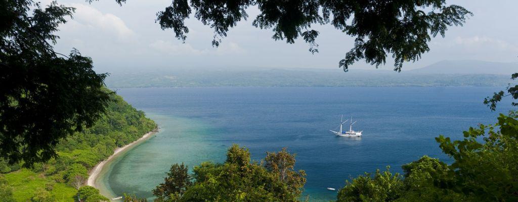 Satonda Sumbawa phinisi schooner
