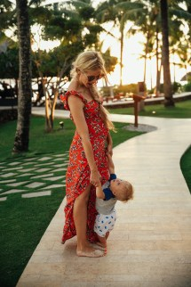Maternity Dress Barefoot Blonde