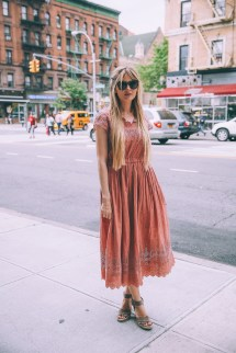Dress Barefoot Blonde