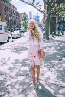 Barefoot Blonde Amber