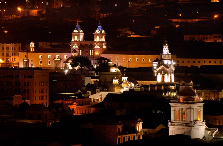 quito city by night