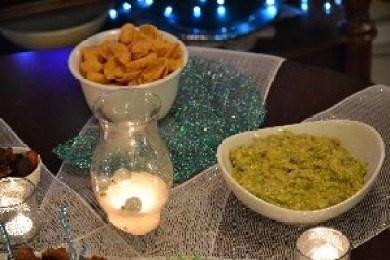Broccoli and Cheese dip with corn chips_small