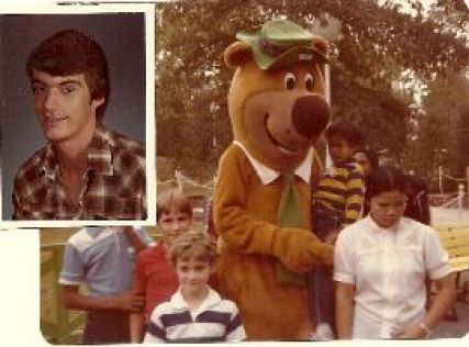 Gordon as Yogi Bear at Carowinds_small